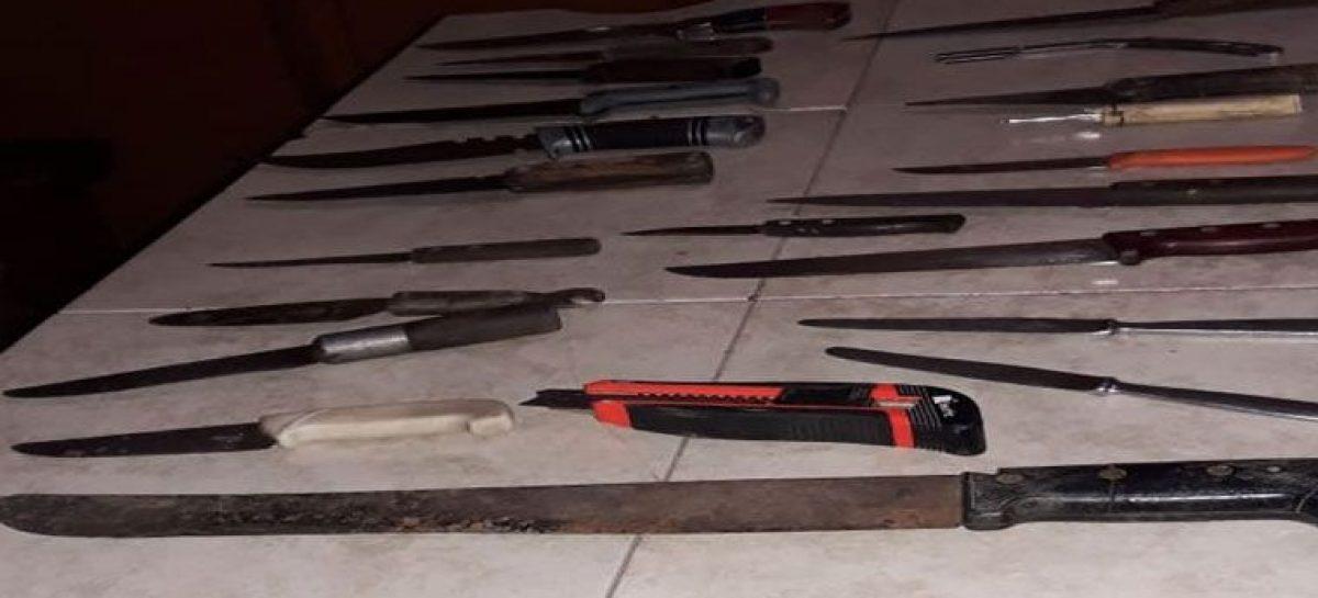 Cosecheros tumberos: cuatro detenidos con docenas de armas blancas
