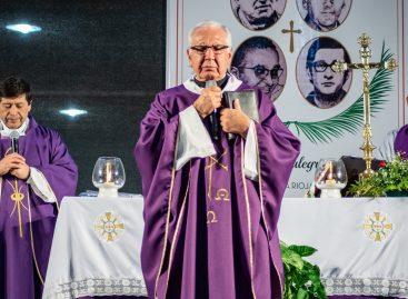 Otra misa del padre Betancourt convocó miles de riojanos