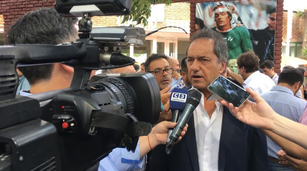 Daniel Scioli se lanzó como precandidato a presidente