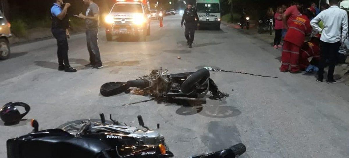Impactan dos motos de frente y el saldo fue un muerto
