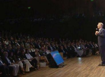 Macri: «hay que remarla un poco más, sin llorarla»