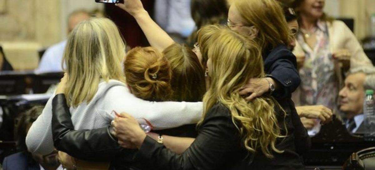 Habrá paridad de género en las candidaturas a cargos nacionales