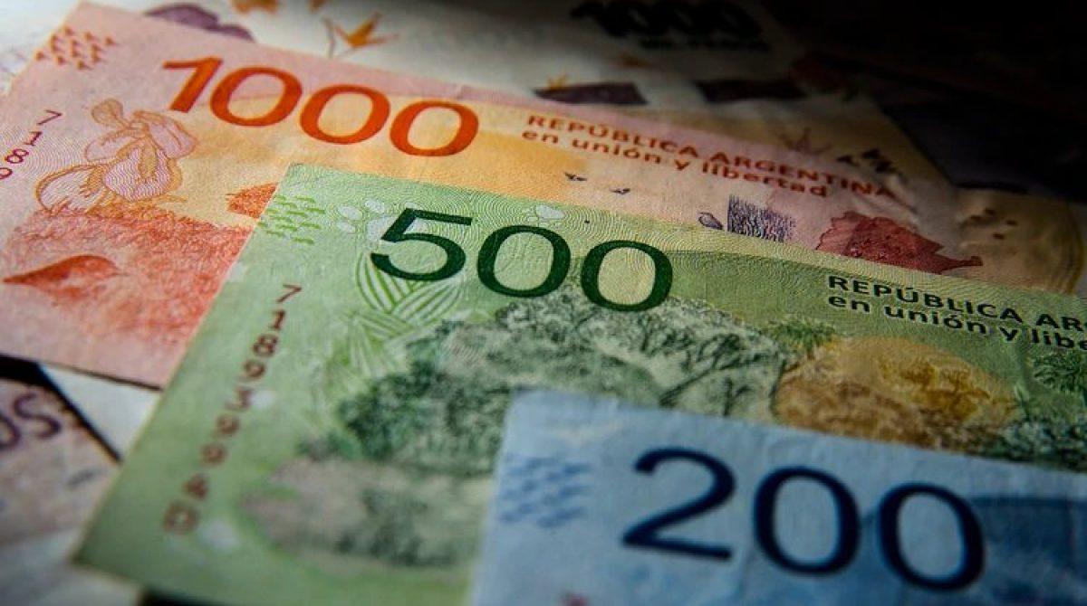 El salario Mínimo Vital y Móvil perdió un 28% de su poder adquisitivo en tres años