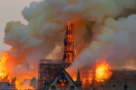 Incendio en Notre Dame. Fue controlado pero los daños son devastadores
