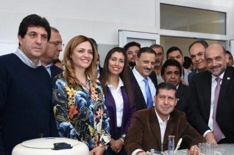 Casas se mostró con la futura fórmula gobernador/a-vice del oficialismo