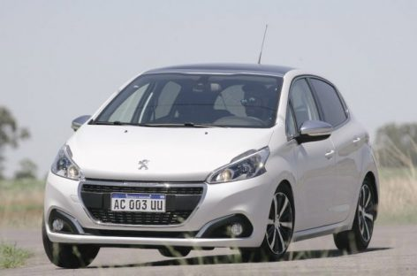 Los 10 autos que menos combustible gastan