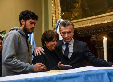 Macri dijo presente en  el último adiós a Héctor Olivares en el Congreso