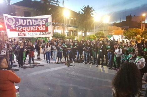 La Rioja tuvo su pañuelazo verde pro despenalización del aborto