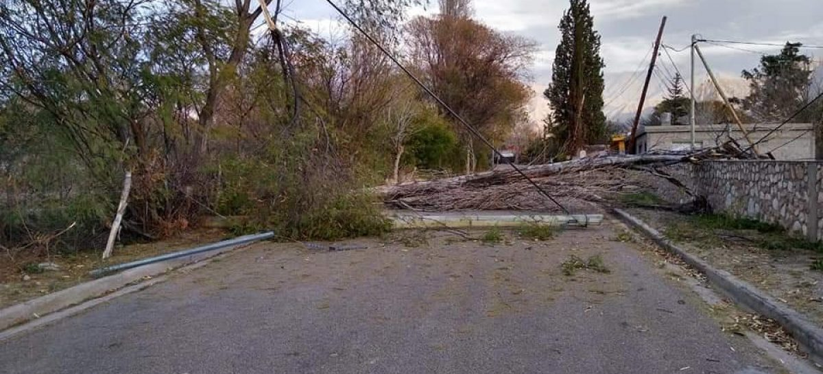 Fuertes vientos provocaron destrozos en Aimogasta