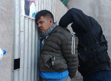 Intentó robar comercio a mano armada y fue reducido y golpeado por vecinos