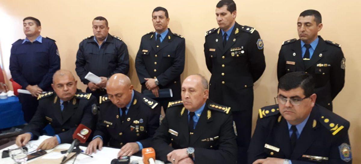 La policía desarticuló tres kioscos de drogas en Capital: 10 detenidos