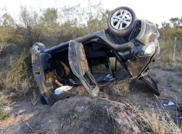 Padre e hija resultaron heridos en un terrible vuelco