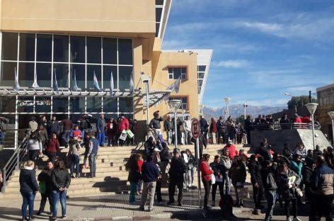 Chilecito tuvo una marcha contra las tarifas de energía