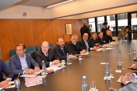 En bloque, gobernadores del PJ reclamaron fondos a Nación