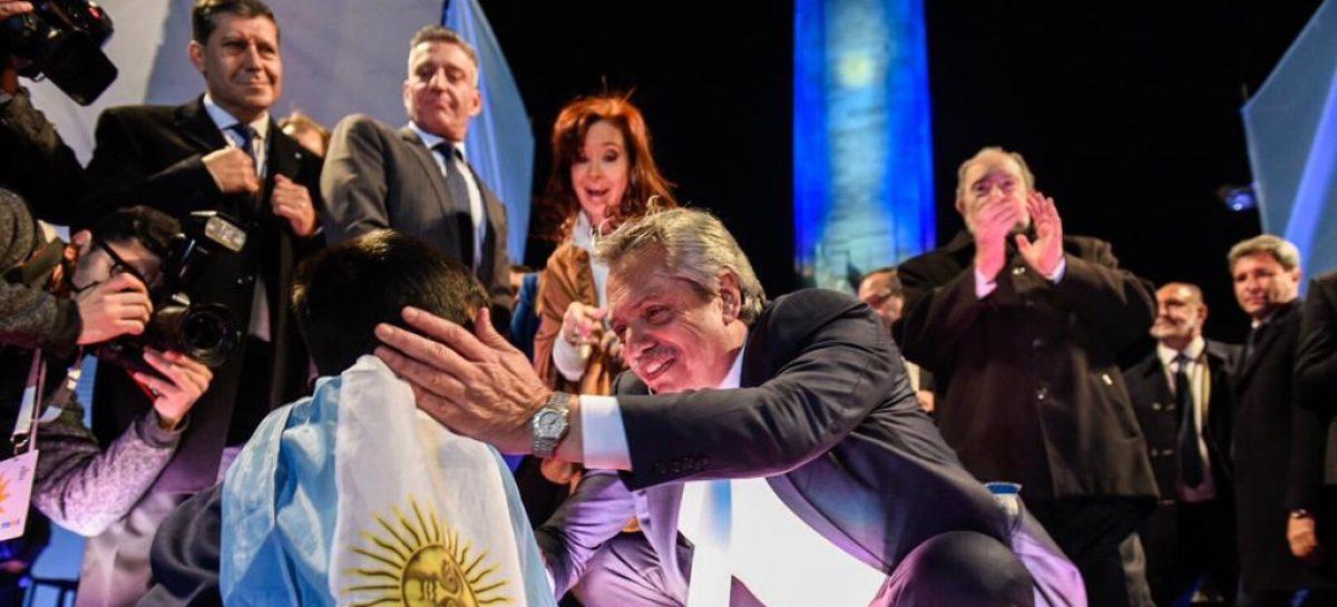 Fernández  – Fernández y Casas en el cierre de campaña del Frente de Todos