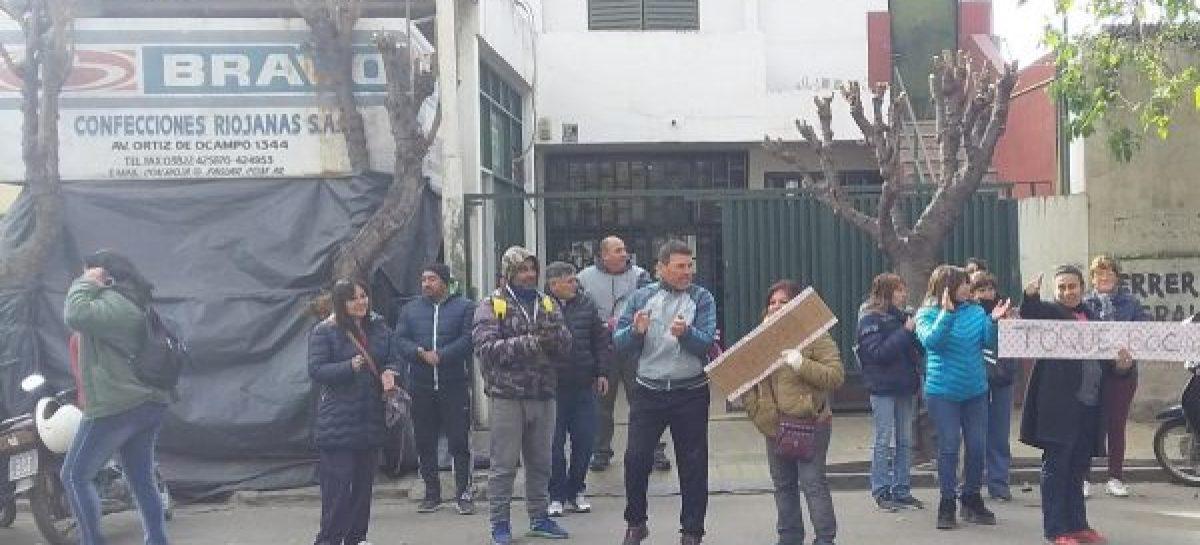Salieron a remate dos inmuebles de la quebrada Confecciones Riojanas