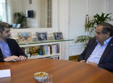 Martínez rearma su estrategia electoral tras la baja de Paredes