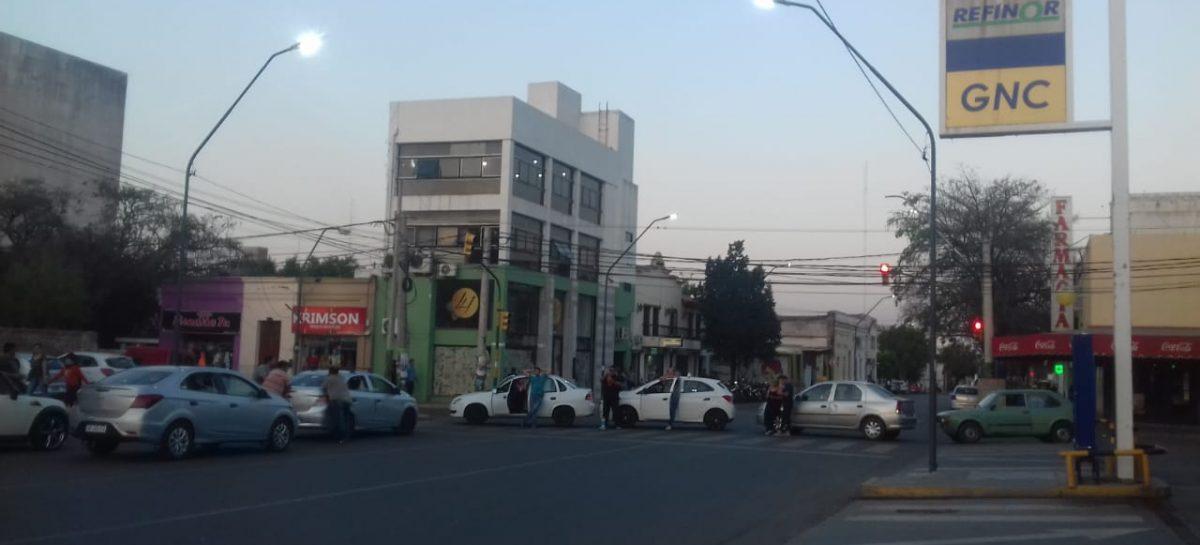 Taxis y remises siguen bloqueando el expendio de GNC en toda la Capital