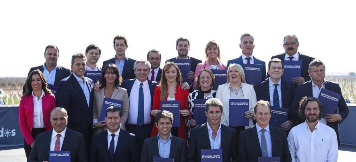 Si es presidente, Fernández prometió reuniones de gabinete en todo el país