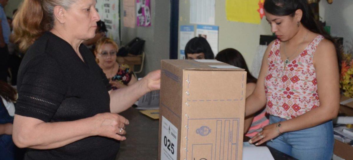 Comenzó la votación: Poco más de 288 mil riojanos habilitados sufragar