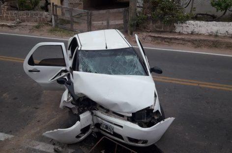 Grave accidente rutero deja cuatro personas internadas