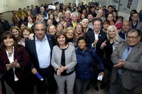 En su paso por La Rioja, Bullrich respaldó a Martínez