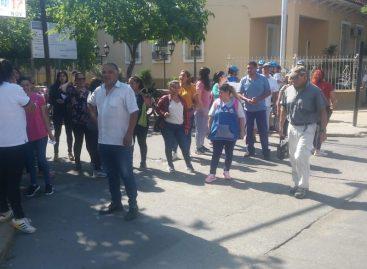 Precarizados del municipio volvieron con las protestas por falta de pago