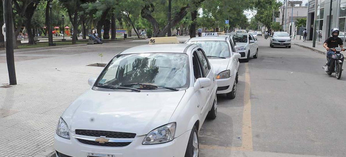 TAXIS Y REMISES, CON SUBSIDIO ESTATAL PARA LA CARGA DE COMBUSTIBLES