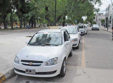 Taxistas exigen actualización inmediata de tarifas del 30%