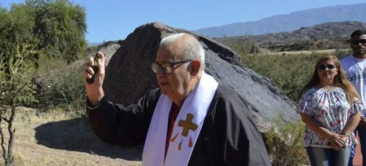 Murió el cura Julio Guzmán, quien fuera mano derecha de Angelelli
