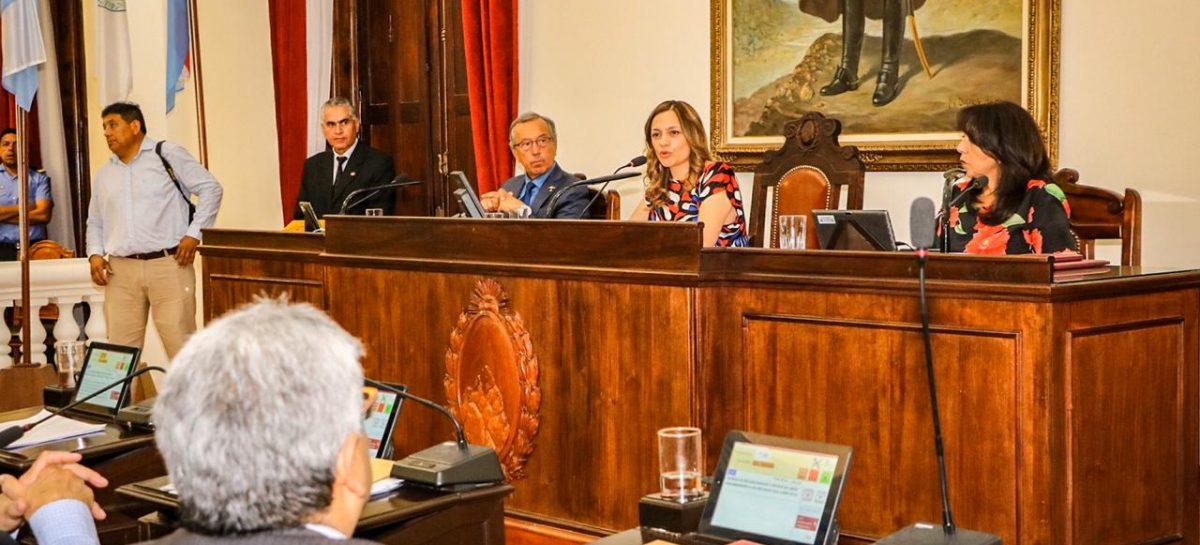 Tere Madera quedó tercera en la línea de sucesión del Poder Ejecutivo riojano