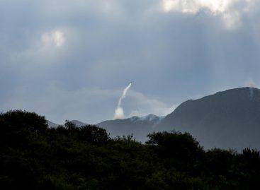 Siguen las tareas para intentar frenar el fuego en el cerro 'El Velazco'