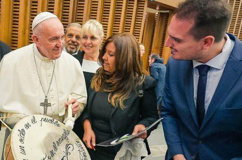 Concejal riojano mantuvo encuentro con el Papa