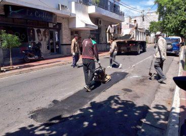 El municipio salió a emparchar una ciudad minada de pozos