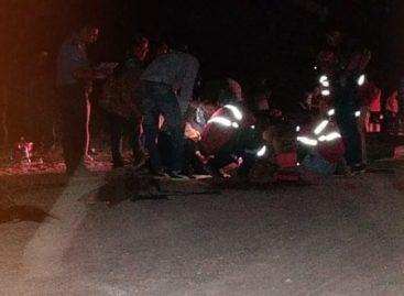 Circulaba en moto y murió tras impactar contra un caballo