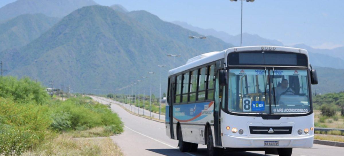 Se levantó el paro del transporte urbano en Capital