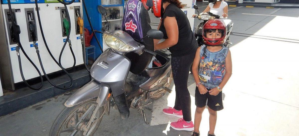 SE PROHIBIÓ EXPENDIO DE COMBUSTIBLE A MOTOS DURANTE LA CUARENTENA