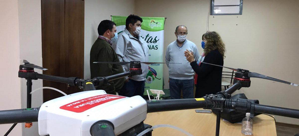 DRONES LISTOS. LA RIOJA EN ALERTA POR POSIBLE LLEGADA DE LANGOSTAS