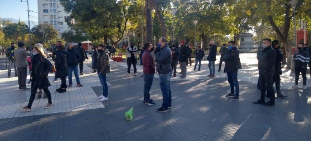 COMERCIANTES MARCHARON Y PIDIERON SER EXCEPTUADOS DE FASE 1