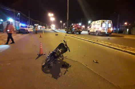 MUERE MOTOCICLISTA TRAS IMPACTAR CONTRA UN POSTE DE ALUMBRADO