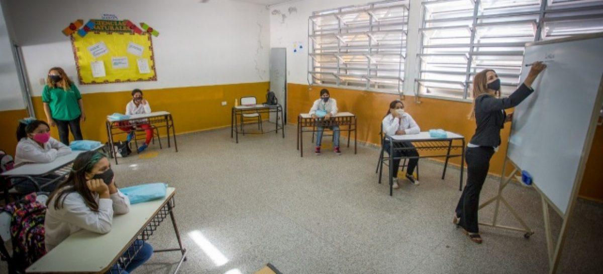 CAPITAL. VOLVIERON CLASES PRESENCIALES EN DOS ESCUELAS MUNICIPALES
