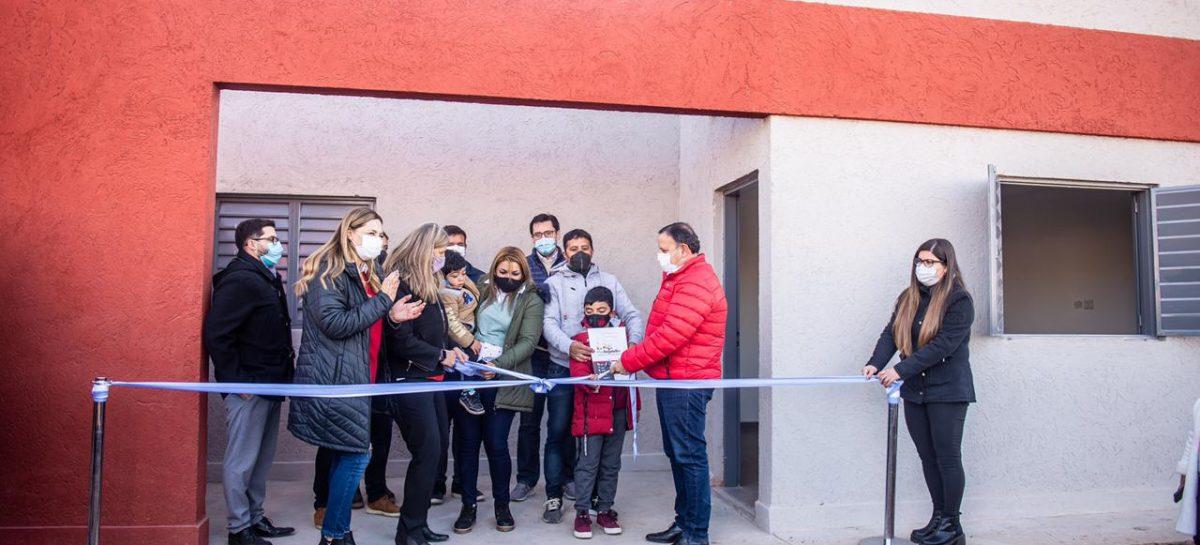 PLAN ANGELELLI. 16 FAMILIAS ACCEDIERON AL SUEÑO DE LA CASA PROPIA