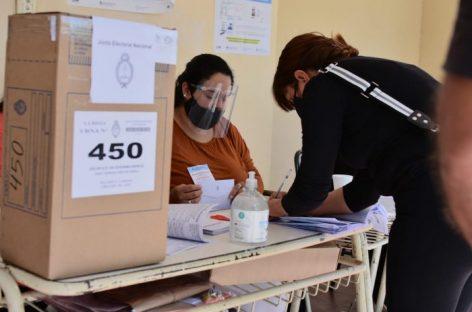 EN UN DOMINGO CALDEADO, LA RIOJA CERRÓ LA VOTACIÓN SIN INCONVENIENTES